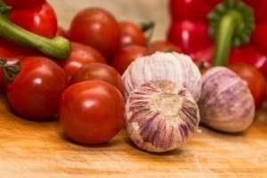 Czosnek i pomidory